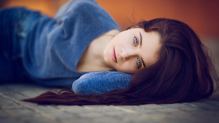 Изменение цвета глаз одеждой