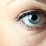Как убирают мешки под глазами с помощью гиалуроновой кислоты