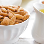 Миндальное масло от растяжек (14 рецептов)