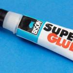 Как стереть с кожи супер клей: отодрать легко!