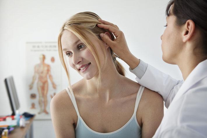 Чем лечить тонкие выпадающие волосы