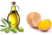 Оливковое масло и яйцо