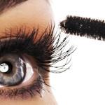 Можно ли красить глаза с нарощенными ресницами